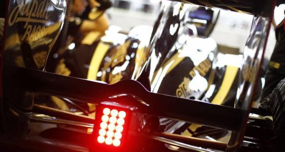 Renault ilk gece mesaisi hakkını kullandı
