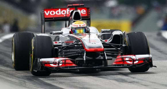 2011 Macaristan Grand Prix Cuma 2. antrenmanlar - Lewis geçilmedi