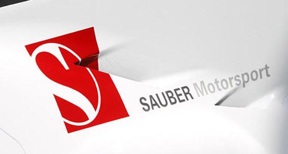 Sauber Kobayaşi ve Perez'le 'devam' dedi