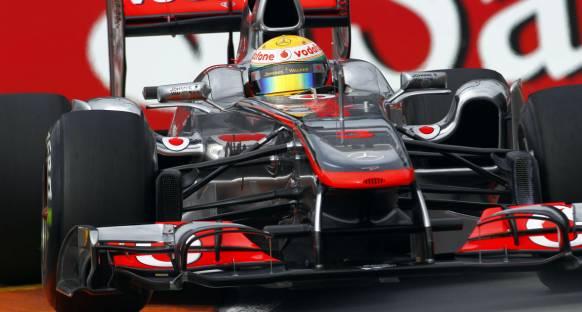 Hamilton: Yasaklar Ferrari'ye Yarayacak