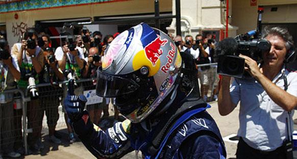Vettel yüksek sıcaklıktan da yağmurdan da çekinmiyor
