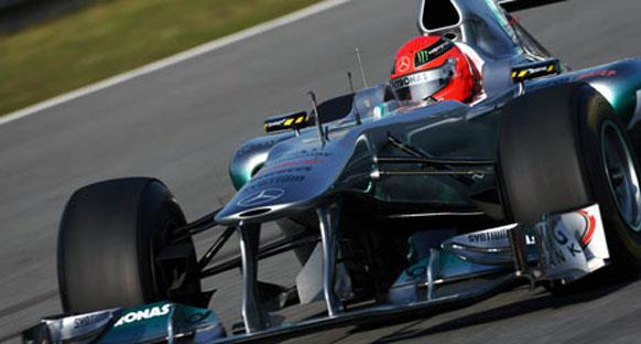 Kırmızı bayraklar Schumacher'in planlarını bozdu