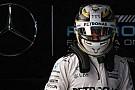 Hamilton Ferrari'nin temposundan endişeli