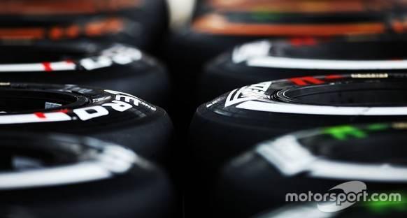 Mercedes pilotları Çin GP'si için farklı lastikleri tercih etti