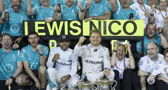 Hamilton Rosberg'in galibiyet serisini önemsemiyor
