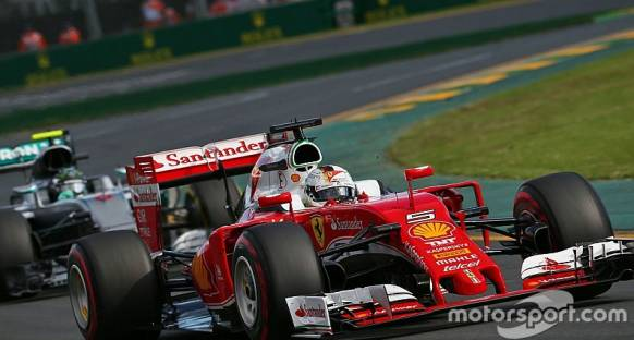 Vettel: Agresif strateji uygulamamız hataydı
