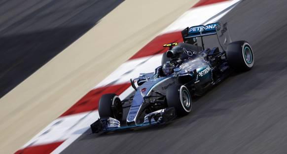 Rosberg ikinci antrenmanlarda zirvede
