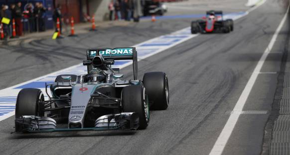 Rosberg Avusturya'da saldırı modunda
