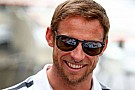 Button Alonso'nun sırrını öğrenmek istiyor