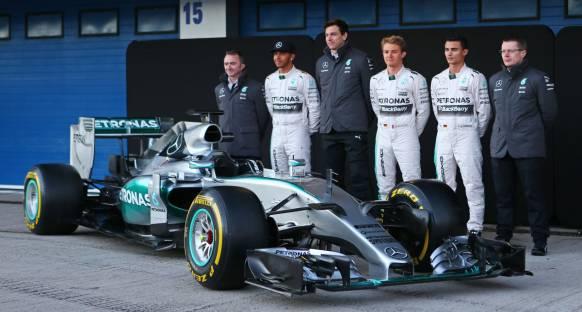 Mercedes resmi lansmanı gerçekleştirdi