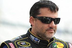 NASCAR Son dakika Nascar şampiyonu Stewart rakibine çarparak ölümüne sebep oldu