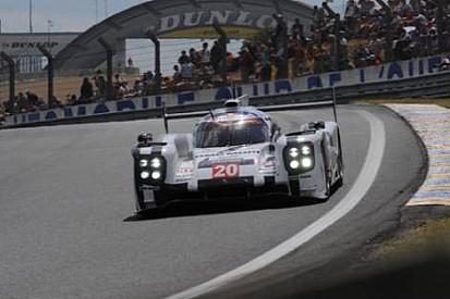 Le Mans 24 Saat: Porsche 3. saatte liderliğe yükseldi