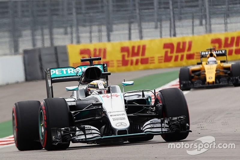 Hamilton krijgt reprimande voor incident in kwalificatie