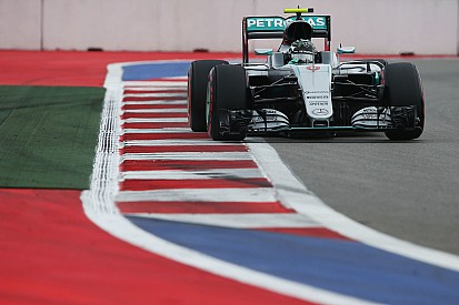Carton plein pour Rosberg, qui se méfie toujours de Hamilton