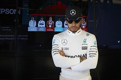 """Hamilton - """"J'ai encore eu un problème moteur"""""""