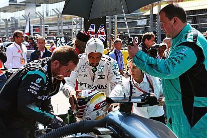 Хэмилтон встал на защиту сотрудников Mercedes