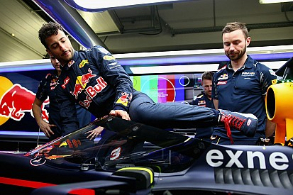 Il parabrezza Red Bull limita la visuale delle gomme anteriori?