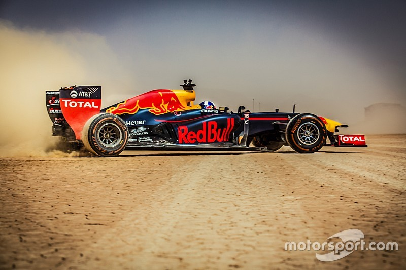 Video: Formel-1-Showrun mit David Coulthard in Jordanien