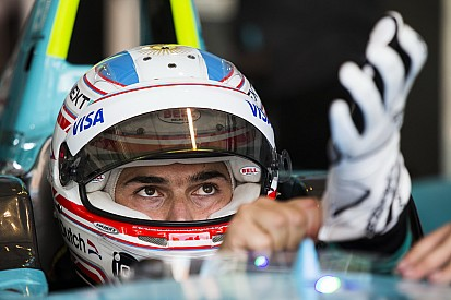 Nelson Piquet Jr in Europese F3-meeting Pau met Carlin