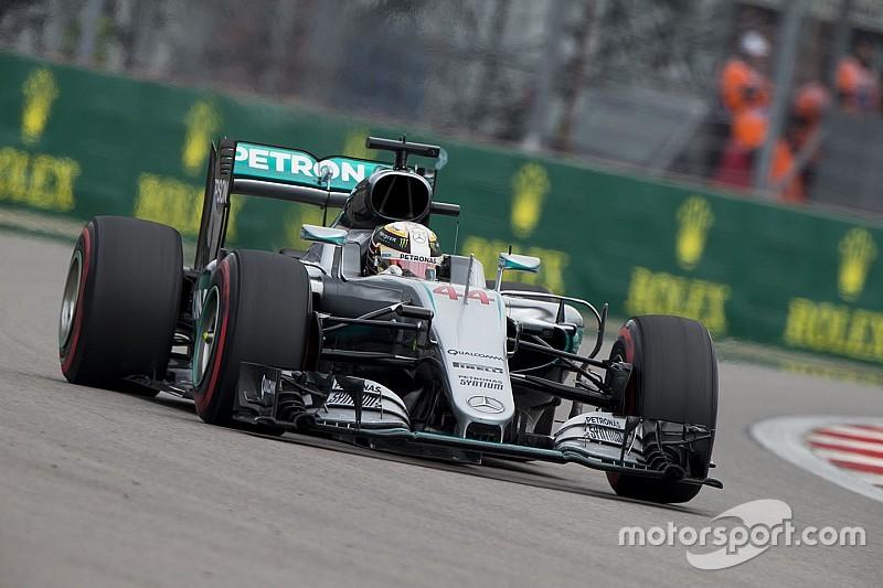 Mercedes respalda a Hamilton