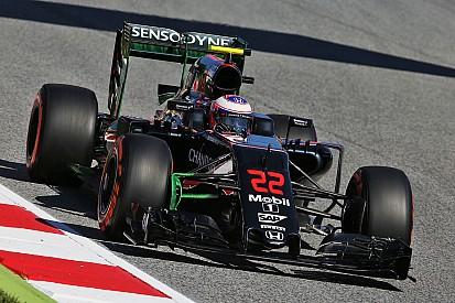 باتون يعترف بصعوبة تسجيل النقاط في سباق إسبانيا