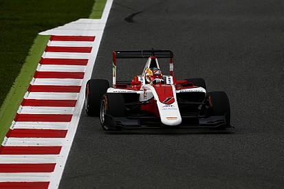 Протеже Ferrari Леклер выиграл первую гонку в Барселоне