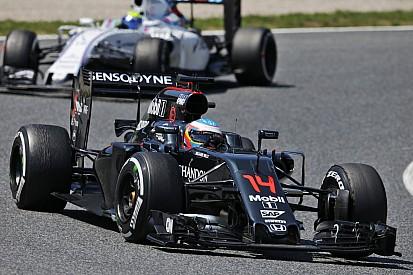 """Alonso: """"Un peccato non approfittare del ritiro delle Mercedes"""""""