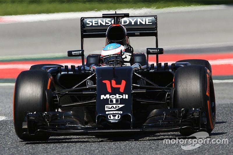 Une consigne d'équipe et un abandon frustrants pour Alonso