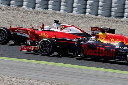 """Ricciardo reclama de estratégia e crítica """"típica"""" de Vettel"""