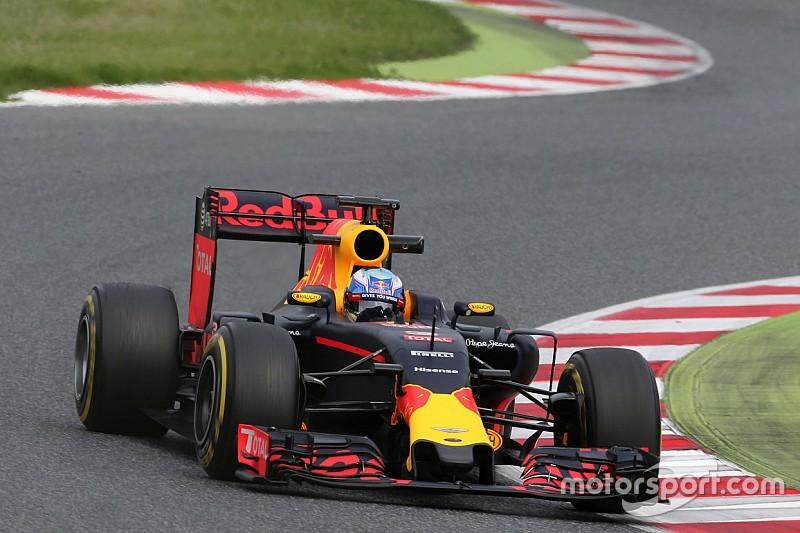 Ricciardo confirme les progrès de Renault à Barcelone