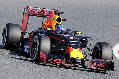 Verstappen le plus rapide de la matinée à Barcelone