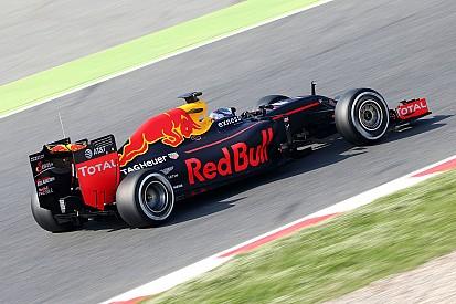 Verstappen rijdt snelste tijd tijdens Formule 1-test in Barcelona