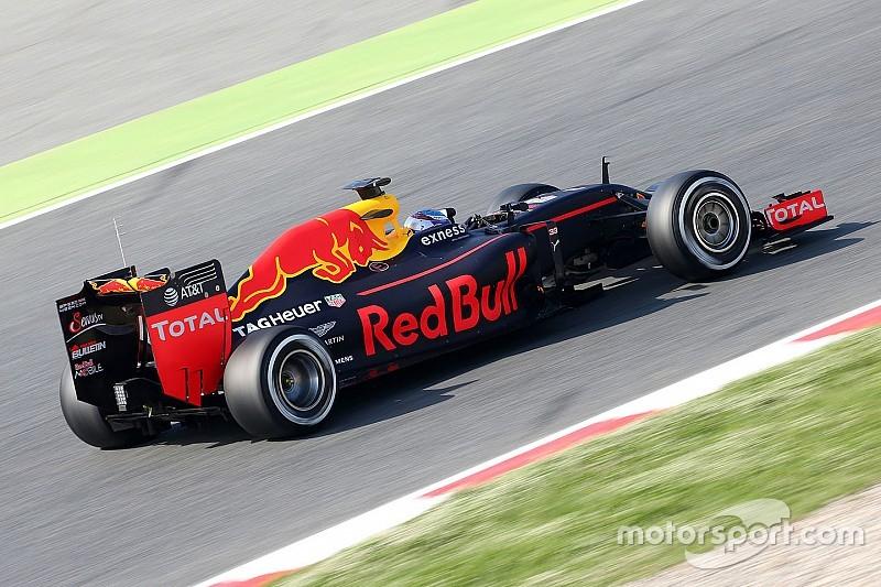 Test Barcellona, Day 2: Verstappen resta sulla cresta dell'onda