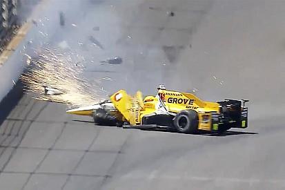 Spencer Pigot'ın Indy 500 antrenmanlarındaki kazası - video