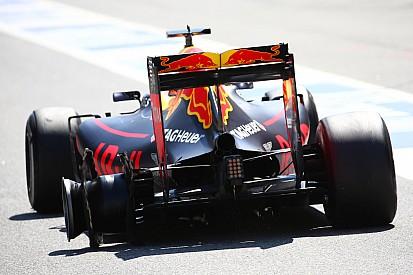 Ricciardo lucha por dejar la frustración de España