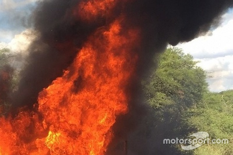 Portogallo, PS5: botto di Paddon e la i20 va in fiamme. Stage sospesa!