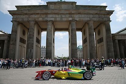 Daniel Abt da un paseo por las calles de Berlín