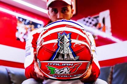 """""""Italian Dovi Stallion"""": ecco il casco di Dovizioso per il GP del Mugello"""