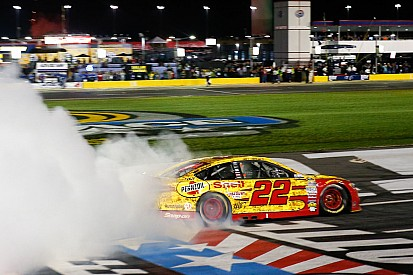 Joey Logano conquista la All-Star race