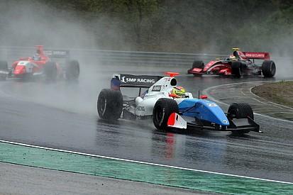 فورمولا 3.5: فاكسيفيار يحقق لقب سباق بلجيكا الثاني في أجواء فوضويّة ماطرة