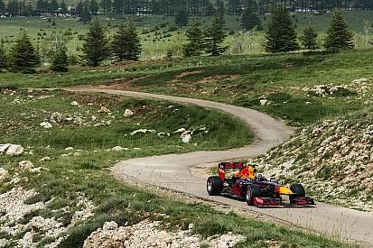 Carlos Sainz rueda con el Red Bull en Beirut
