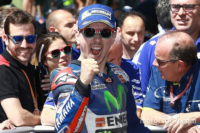 """Lorenzo: """"Sono stato fortunato a rompere il motore nel warm-up"""""""