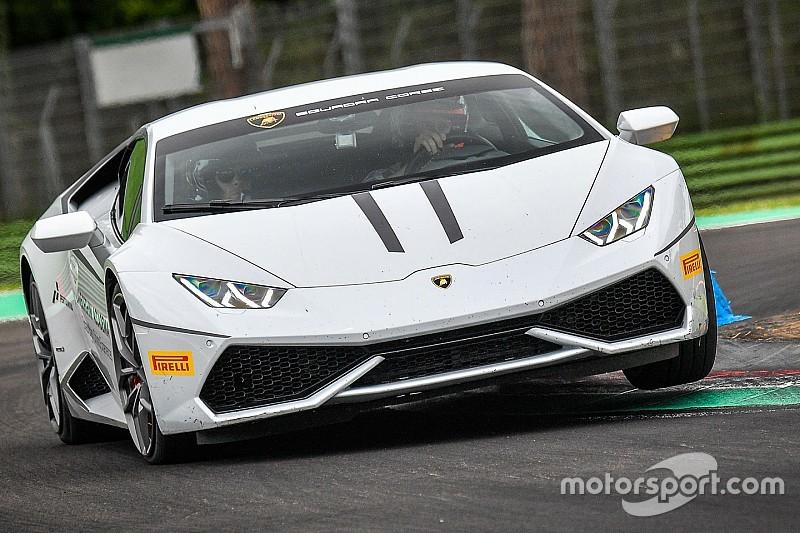 Dovizioso e Stoner in pista ad Imola con Lamborghini Accademia