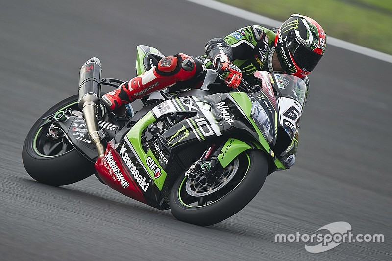 Donington, Libere 1: Tom Sykes detta immediatamente il ritmo