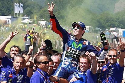 Kolumne: Wie die Rossi-Fans Marquez und Lorenzo antreiben – statt einbremsen