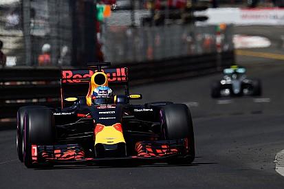 Mercedes aseguró que Ricciardo era invencible