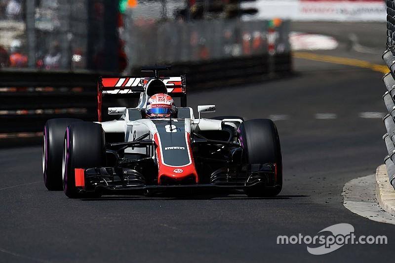 Grosjean déplore le trafic créé par les Mercedes