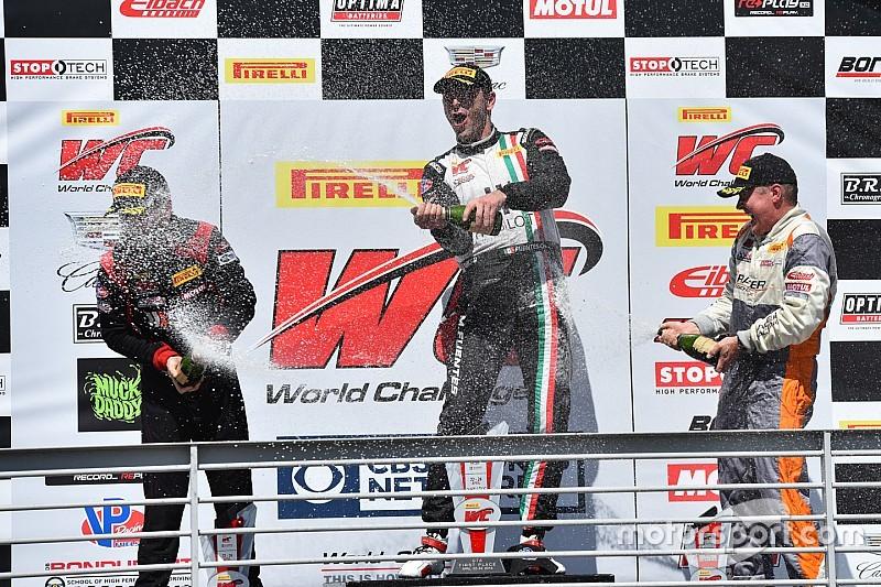 Martín Fuentes triunfa en categoría GTA de PWC
