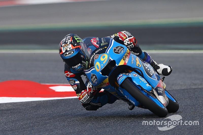 Navarro abre no fim e vence em casa pela Moto3