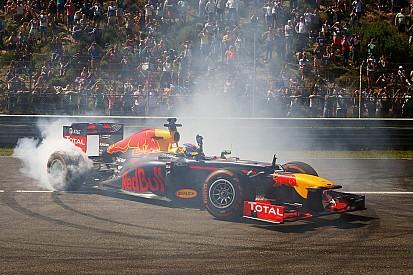 Ruim 100.000 racefans juichen Max Verstappen toe tijdens Familie Racedagen